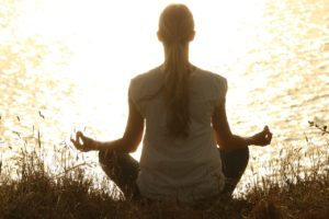 ヨガ 瞑想